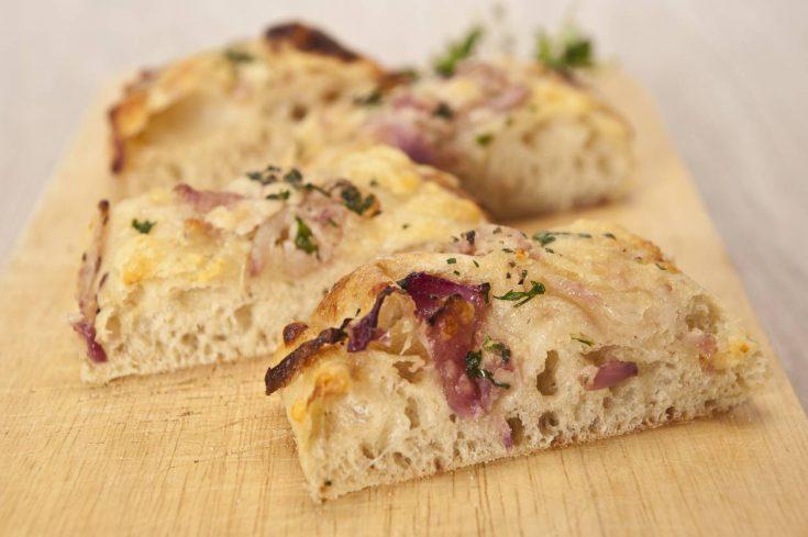 Focaccia de queso manchego y bacon ahumado